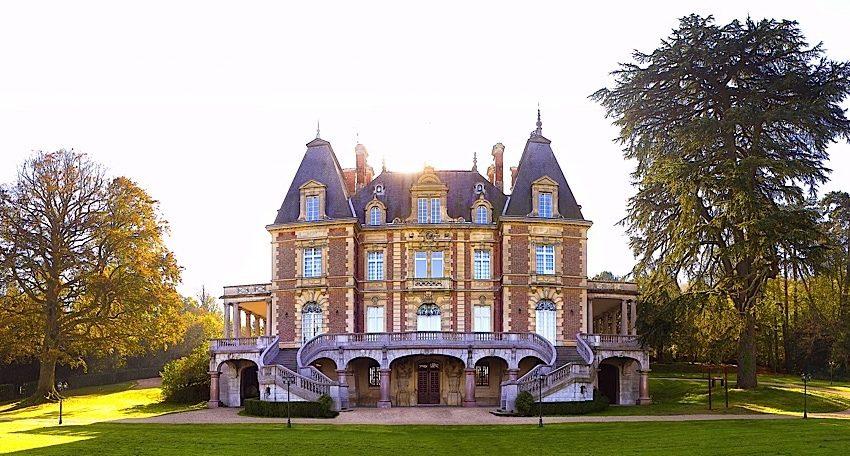 001-castle-paris
