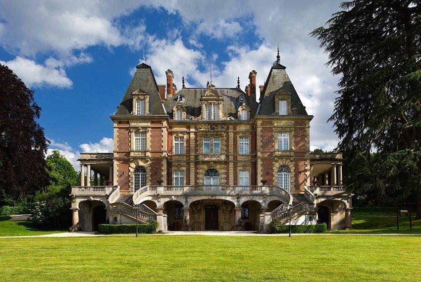 023-castle-paris