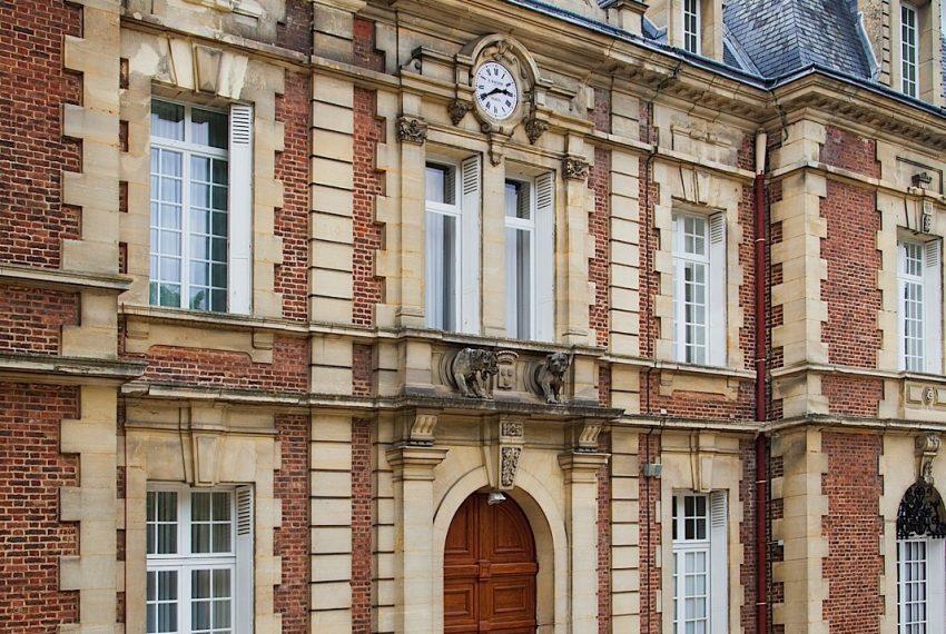 027-castle-paris