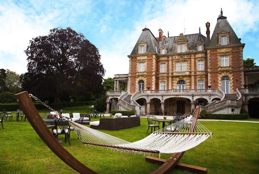 028-castle-paris