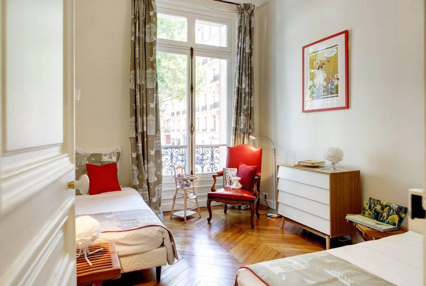 00016-EXCEPTIONAL-LUXURY-4-BEDROOMS-ON-BOULEVARD-SAINT-GERMAIN