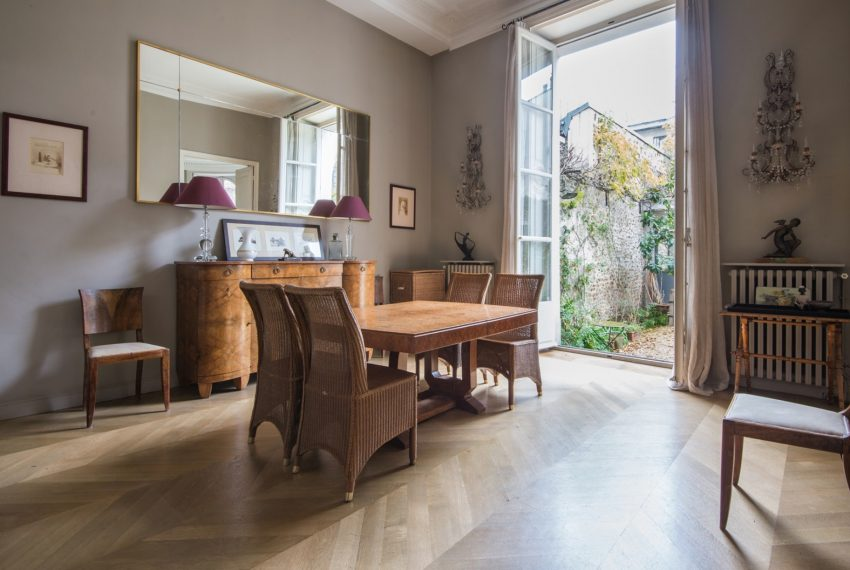 00005-luxe-apartmentsrentals-PARIS-MANSION-APARTMENT-WITH-GARDEN-NEAR-OPERA