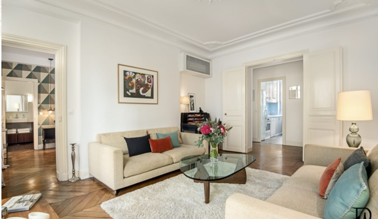 00005-SAINT-GERMAINS-DES-PRES-LUXURY-2-BEDROOMS