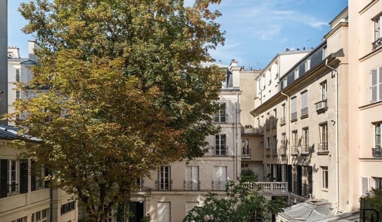 00016-calm-and-luxury-near-the-luxembourg-gardens