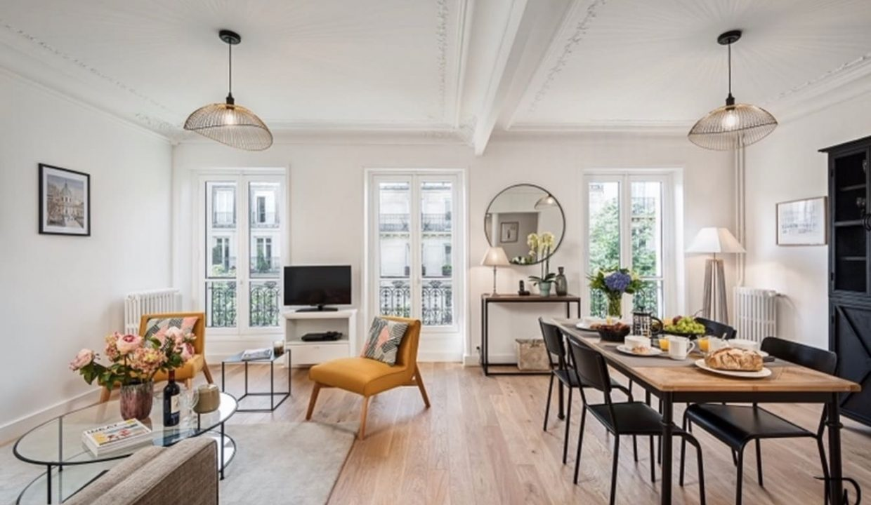 00001-typical-cozy-and-charming-parisian-ambiance