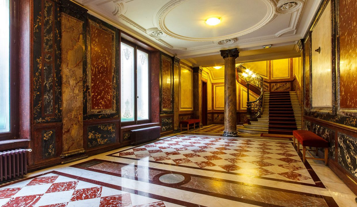 00018-LUXURY-4-BEDROOM-APARTMENT-NEAR-PLACE-VENDOME-AND-LOUVRE