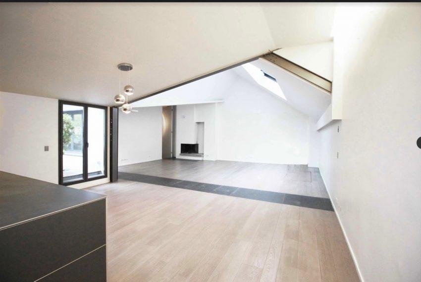 00002-luxe-apartmentsrentals-Terraced-Loft-showroom-Marais-Paris-