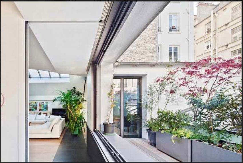 00007-luxe-apartmentsrentals-Terraced-Loft-showroom-Marais-Paris-