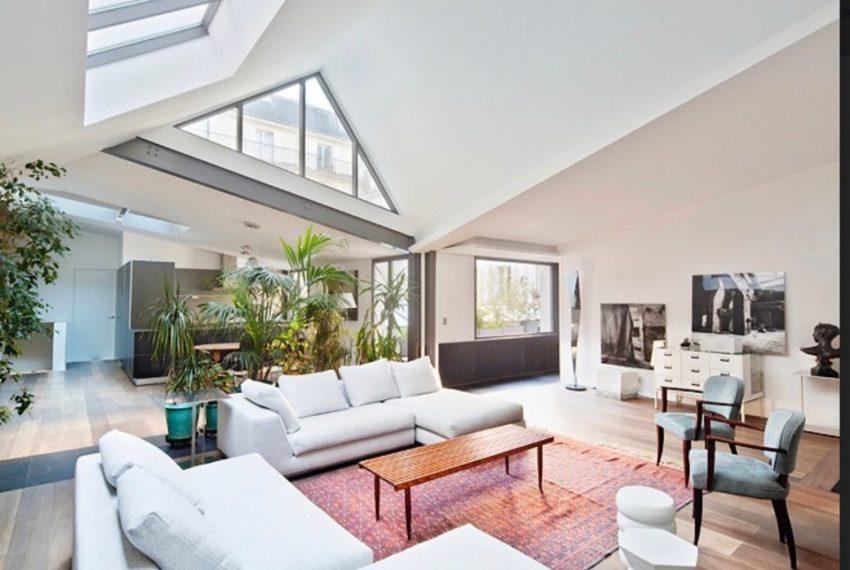 00008-luxe-apartmentsrentals-Terraced-Loft-showroom-Marais-Paris-