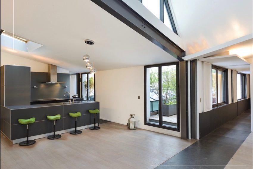 00009-luxe-apartmentsrentals-Terraced-Loft-showroom-Marais-Paris-