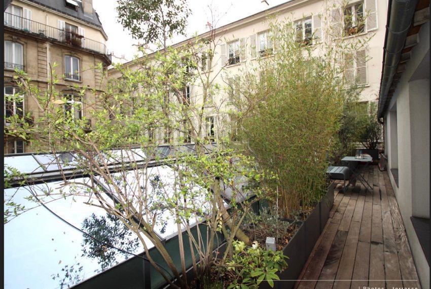 00010-luxe-apartmentsrentals-Terraced-Loft-showroom-Marais-Paris-