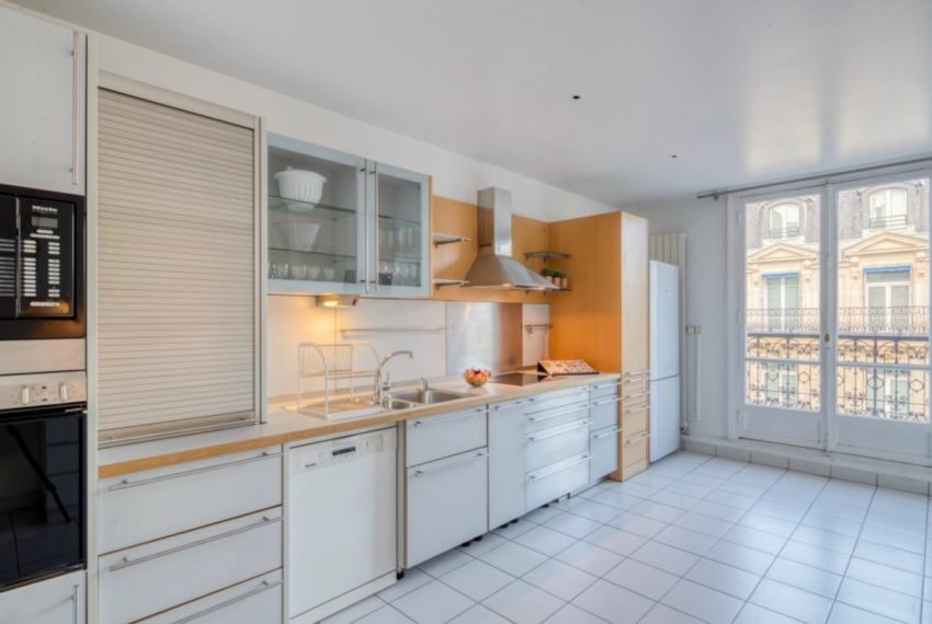 00006-GEORGES-V-LUXURY-TERRACED-APARTMENT-PARIS-