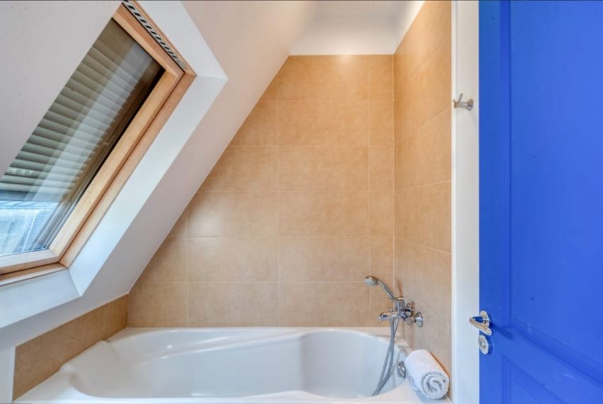 00010-GEORGES-V-LUXURY-TERRACED-APARTMENT-PARIS-
