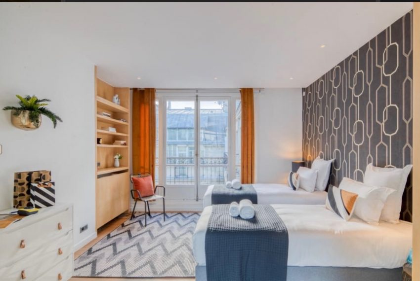 00011-GEORGES-V-LUXURY-TERRACED-APARTMENT-PARIS-
