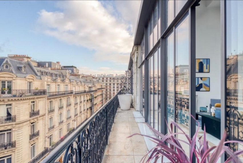 00020-GEORGES-V-LUXURY-TERRACED-APARTMENT-PARIS-