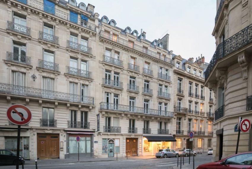 026-LUXURY-CLASSIC-MONTAIGNE-APARTMENT-PARIS-SHOWROOM