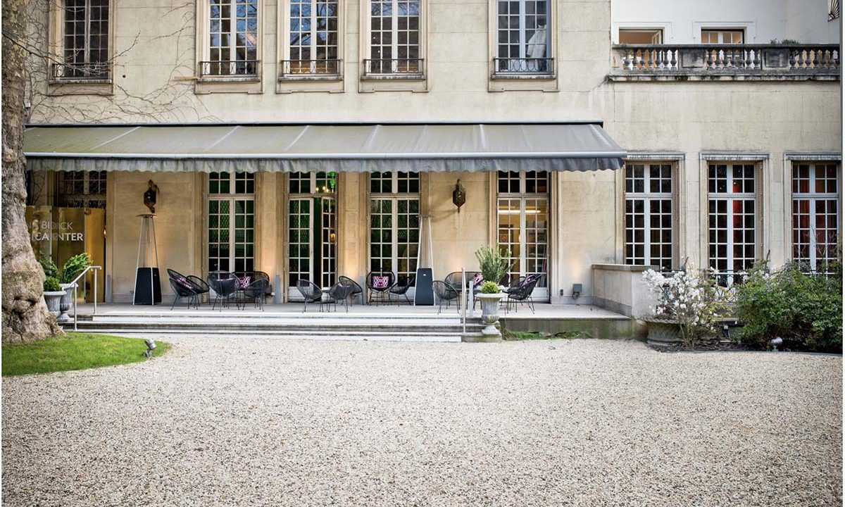 00011-luxury-private-mansion-in-paris