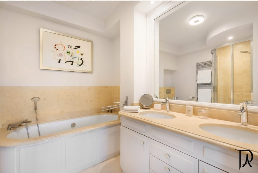 00009-palais-royal-extraordinary-apartment