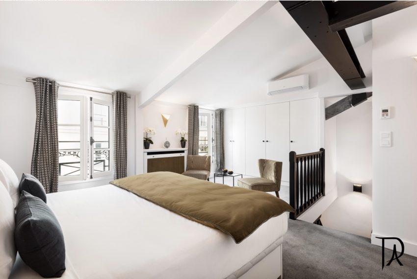00014-palais-royal-extraordinary-apartment