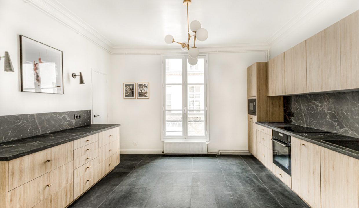 00005-MODERN-CHIC-IN-THE-HEART-OF-THE-MARAIS