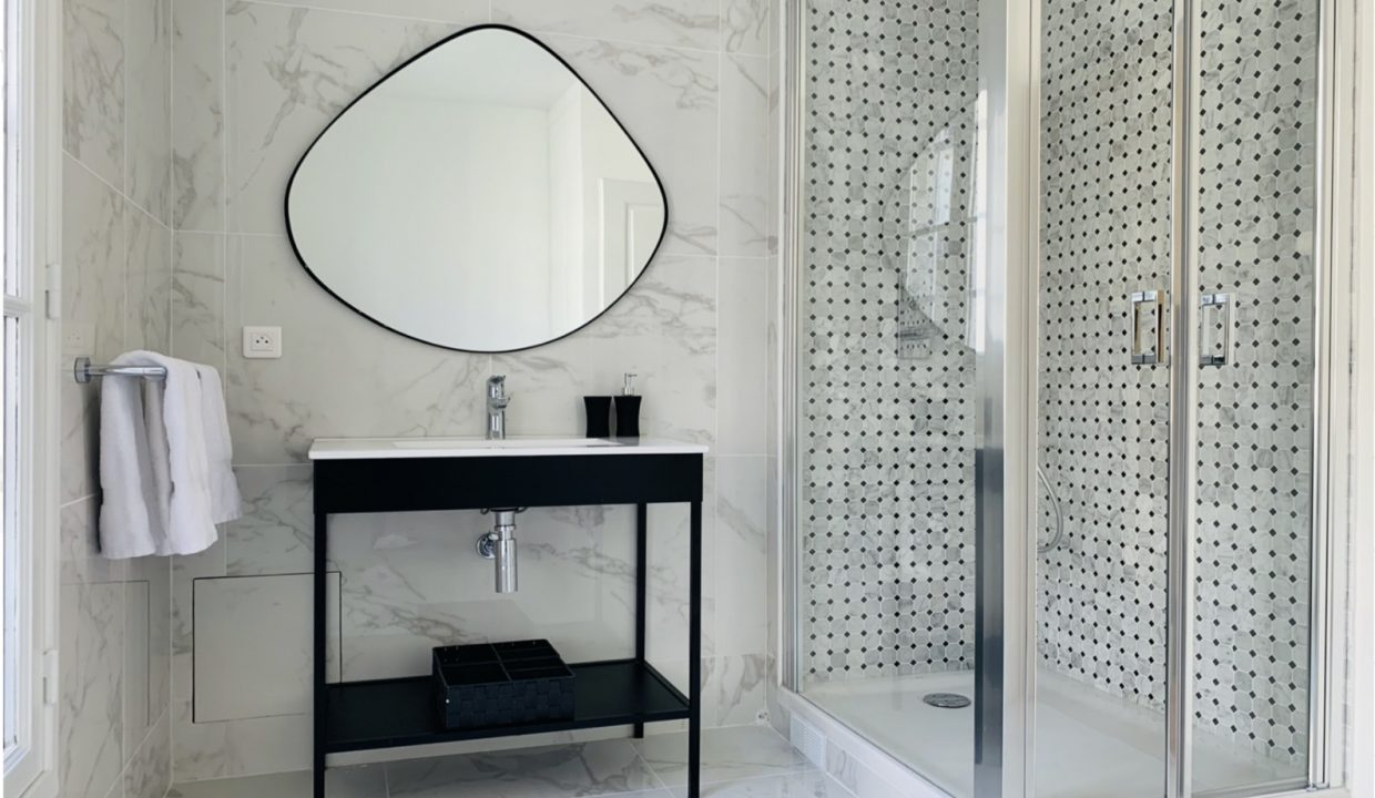 00017-MODERN-CHIC-IN-THE-HEART-OF-THE-MARAIS