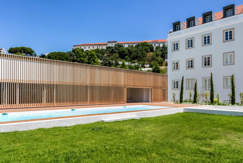 00033POLL-APARTMENT-CENTER-LISNON-PORTUGAL