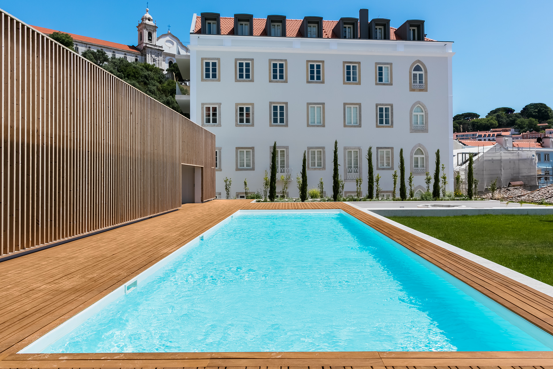 POOL APARTMENT CENTER LISBON