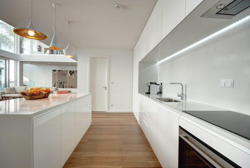 00009-luxe-apartmentsrentals-luxury-loft-480M2-in-trendy-Lisbonne-
