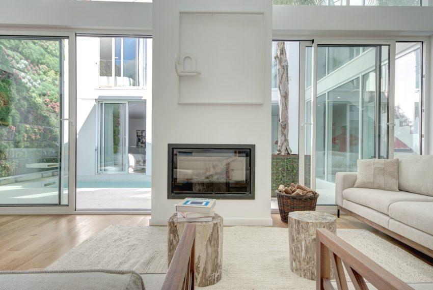 00011-luxe-apartmentsrentals-luxury-loft-480M2-in-trendy-Lisbonne-