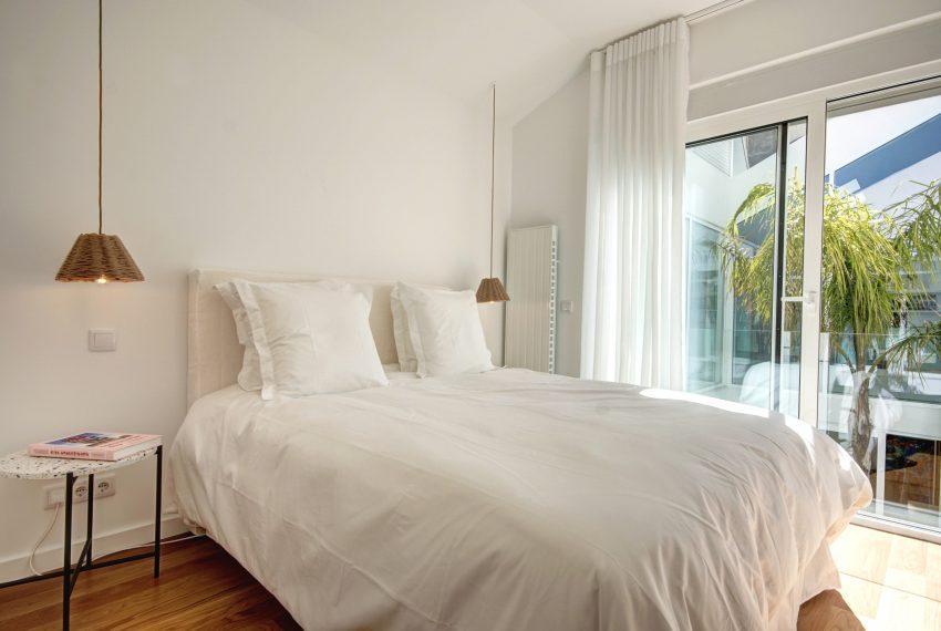 00016-luxe-apartmentsrentals-luxury-loft-480M2-in-trendy-Lisbonne-
