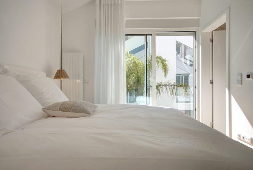 00017-luxe-apartmentsrentals-luxury-loft-480M2-in-trendy-Lisbonne-