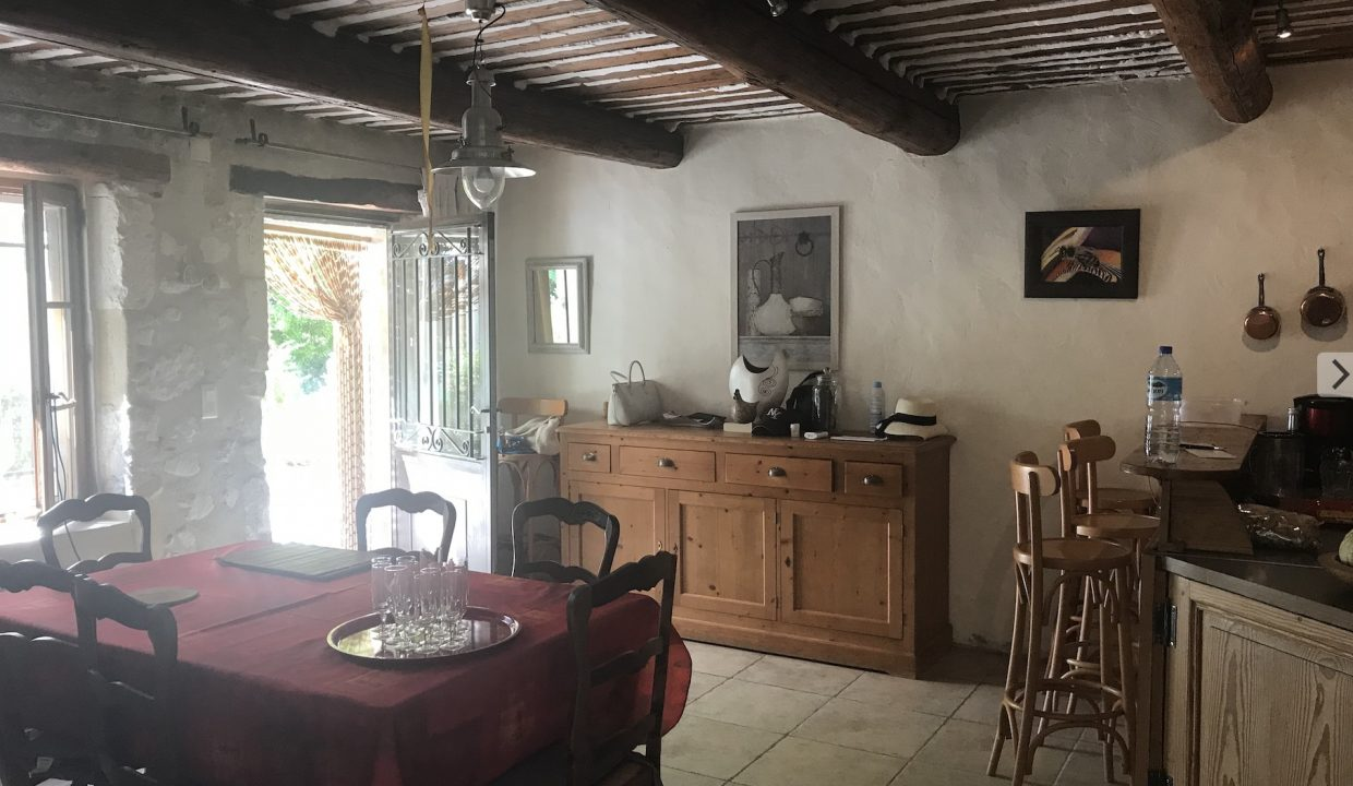 00009-MAS-NEAR-SAINT-REMY-EYGALIERES-TO-RENT-7-PERSONS
