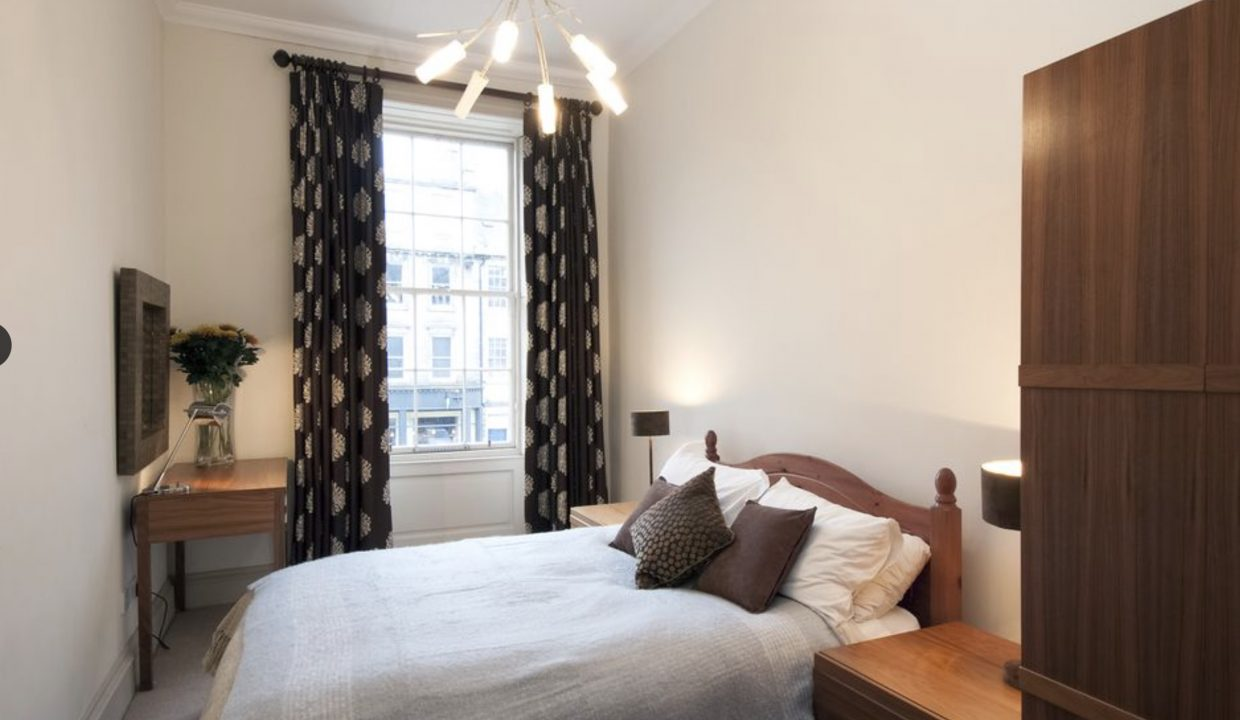 00010-LUXURY-APARTMENT-IN-CENTRAL-EDINBURGH