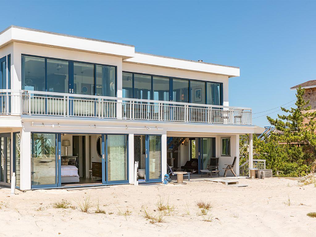 WESTHAMPTON BEACH HOUSE LUXURY RENTAL